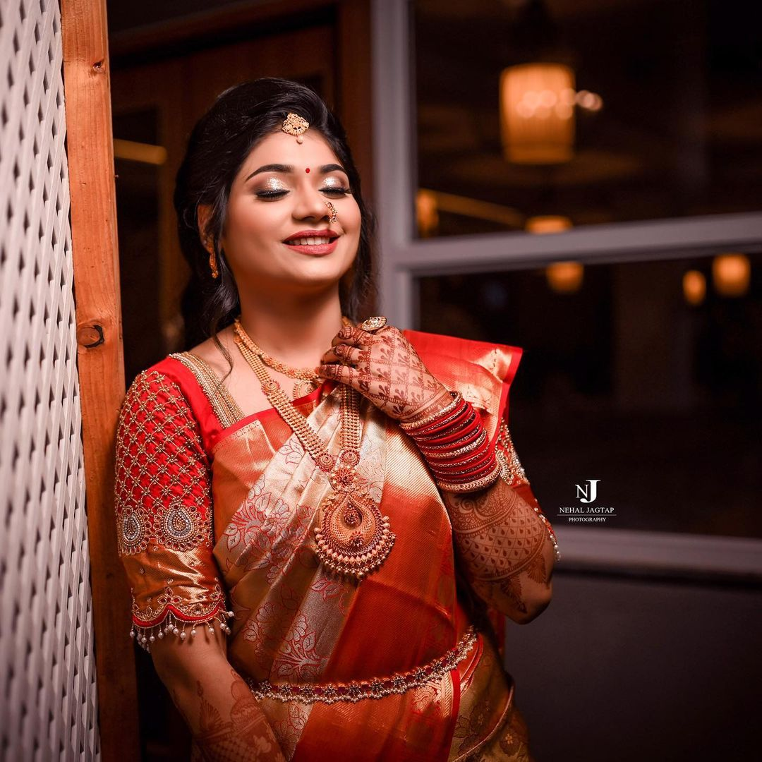 Traditional Mahrashtrian Bride Makeup By Tejaswini Pune